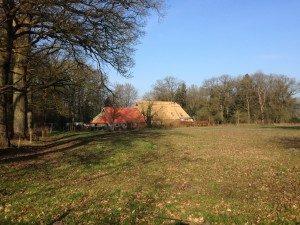 Boerderij Kamps ligt in een natuurgebied op de grens van Assen.